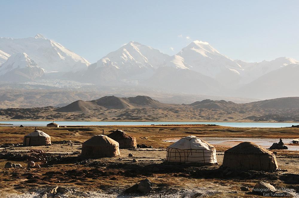 パミール高原のカラクリ湖