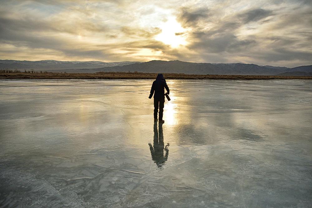 モンゴルの川の上